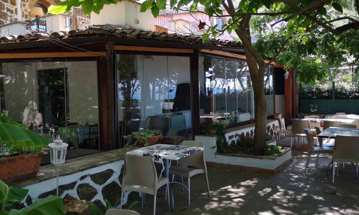 vetrate a pacchetto per un ristorante
